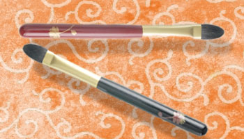 Eyeshadow Brush with Echizen Lacquer Ware Handle!